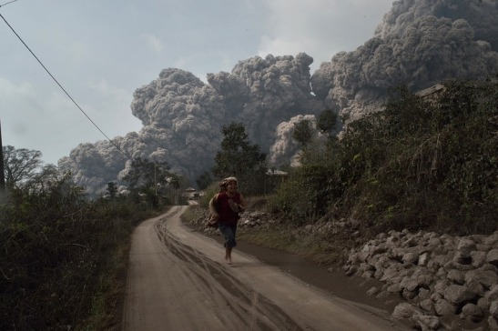 Deadly Mount Sinabung volcano rumbled for months ahead of eruutpion
