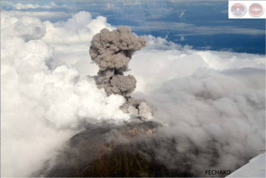 Costa Rica's Turrialba Volcano erupts, as seen from 14,000 feet at 8:29 a.m. on Oct. 30, 2014.  (Via OVSICORI-UNA)