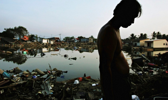 The 2004 tsunami disaster generated a phenomenal £1,400 per victim against £270 per casualty of the Syrian conflict. Photograph: Chris Mcgrath/Getty Images