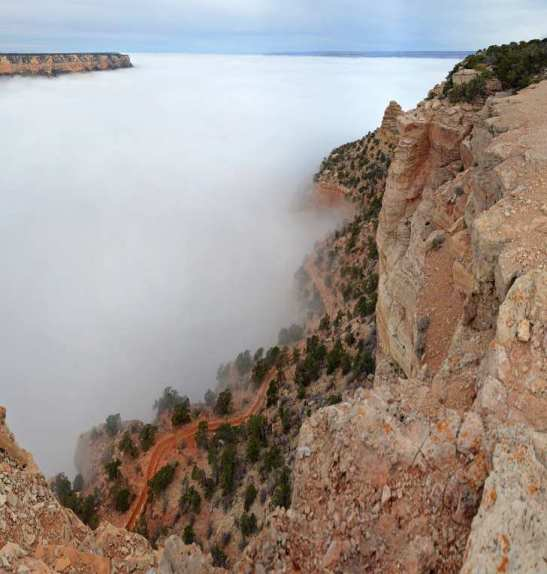 Grand Canyon Total Inversion: Clouds Inundate the Gorge Thanks to Cold Temperatures Near the Ground.  Source: https://magazine.dashburst.com/pic/grand-canyon-clouds-temperature-inversion/