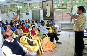 Disaster specialist Vikas Gora addressing a meeting in Vijayawada