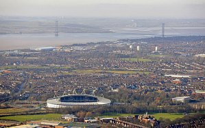 Aerial photograph showing Hull, Hull City FC and the Humber Bridge Photo: ALAMY