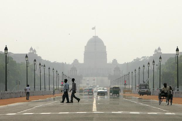Experts said India needs to have a comprehensive action plan to cut fatalities due to exposure to heatwaves. More than 2,000 people died in the heatwave in May and June this year. Photo: AFP  source: http://www.livemint.com/Politics/lF0B9NN3ZhSMOyCcFe8cnO/Natural-disasters-kill-over-20000-in-2014.html