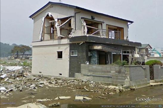 Researchers compared before and after photos of buildings that were damaged in the 2011 Japanese tsunami