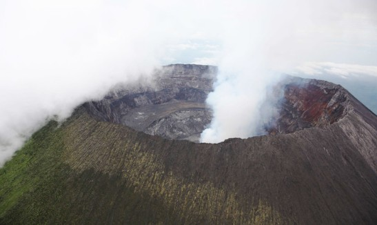 The Nyiragongo volcano erupted in January 2002, killing more than 100 people and leaving more than 100,000 people homeless. Eight months later a magnitude 6.2 earthquake struck the town of Kalehe, which is 12 miles from the Nyiragongo volcano. (Credit: MONUSCO Photos/Flickr)