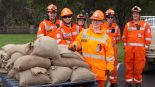 SES volunteers helped Casterton residents to sandbag their properties ahead of rising flood waters. Photo: Everard Himmelreich Source: http://www.theage.com.au/victoria/town-that-gave-australia-the-kelpie-braces-for-major-flooding-20160910-grdd21.html